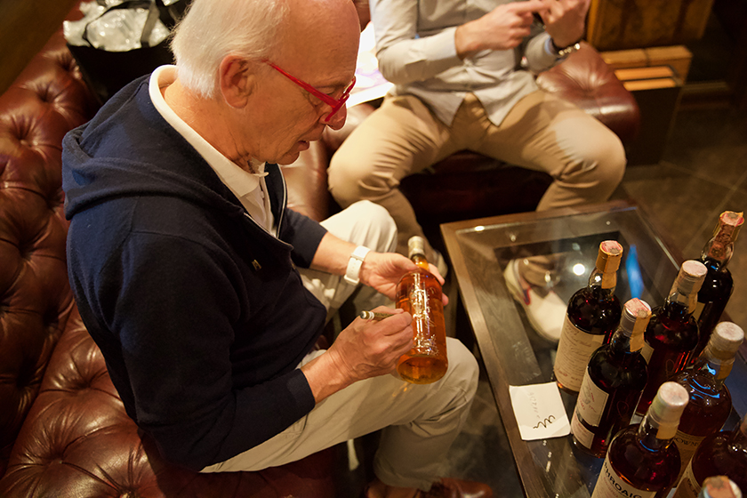 Silvano Samaroli signing bottles including Bowmore 1966 Bouquet at the Auld Alliance