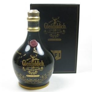 Glenfiddich 18 Year Old Ancient Reserve / MFI Exclusive Decanter Front