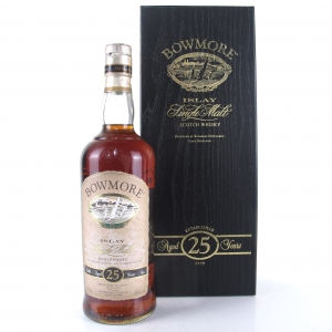 Bowmore 25 Year Old 1990s 75cl / Canadian Import