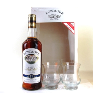 Bowmore 17 Year Old Gift Pack / Including 2 x Glasses