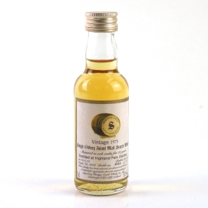 Highland Park 1975 Signatory Vintage 21 Year Old Miniature 5cl