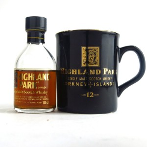Highland Park 12 Year Old Miniature 10cl 1980s & Branded Cup