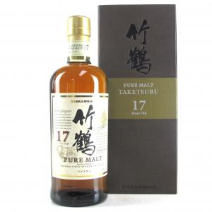 Taketsuru 17 Year Old / Wooden Presentation