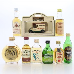 Scotch Whisky Miniature Selection x 8 / with Days Gone Van