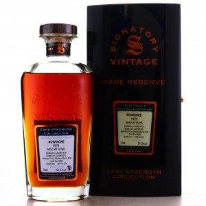 Bowmore 1970 Signatory Vintage 40 Year Old Cask Strength