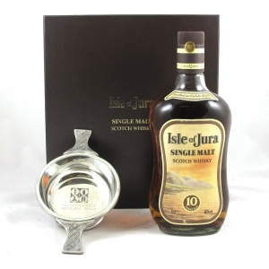 Isle of Jura 10 Year Old with Quaich Front
