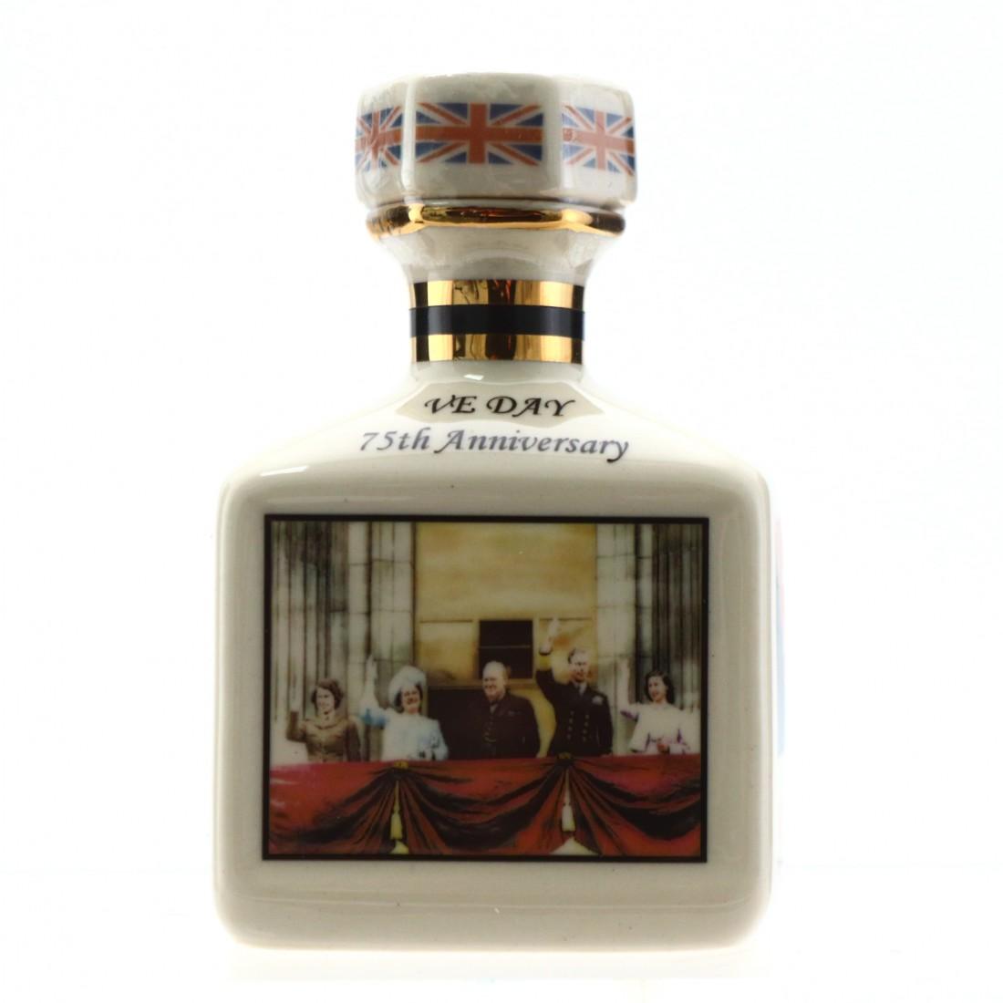 Macallan Pointers Ceramic Miniature / V.E. Day