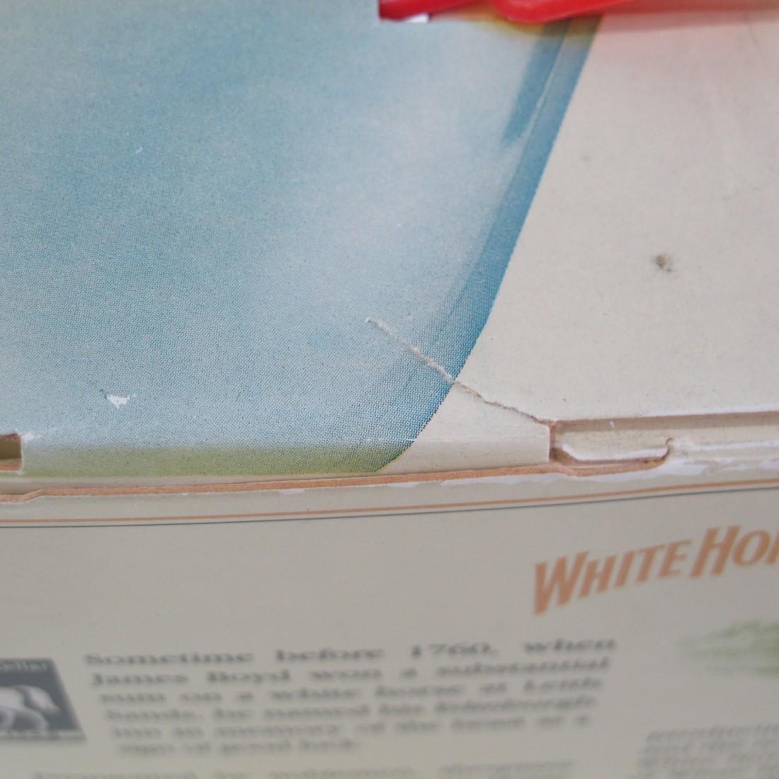 White Horse Scotch Whisky 2 x 70cl / includes Johnnie Walker Black Label 20cl