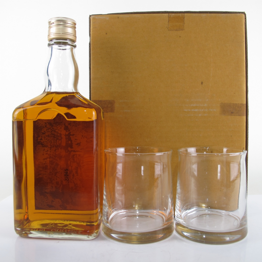 Suntory Gold 72cl / includes Glasses x 2