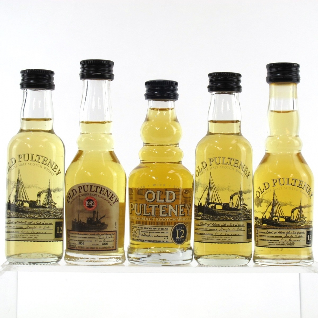 Old Pulteney Miniature Selection 5 x 5cl / Including 1982