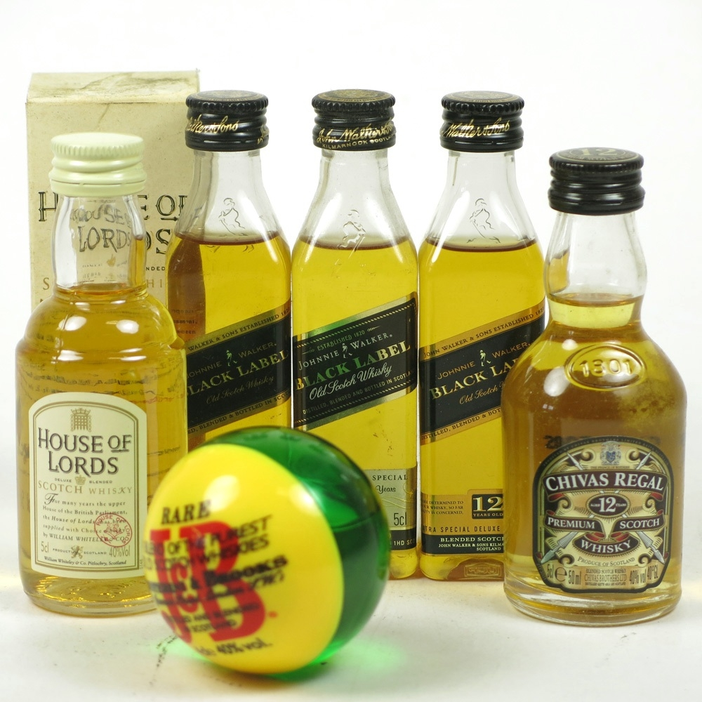 Miscellaneous Blended Miniatures 5 x 5cl / Including J&B Ball