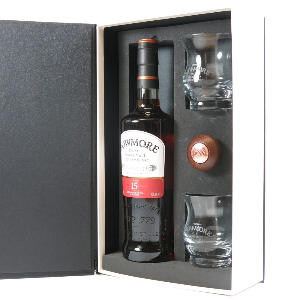 Bowmore 15 Year Old Darkest Gift Pack Open