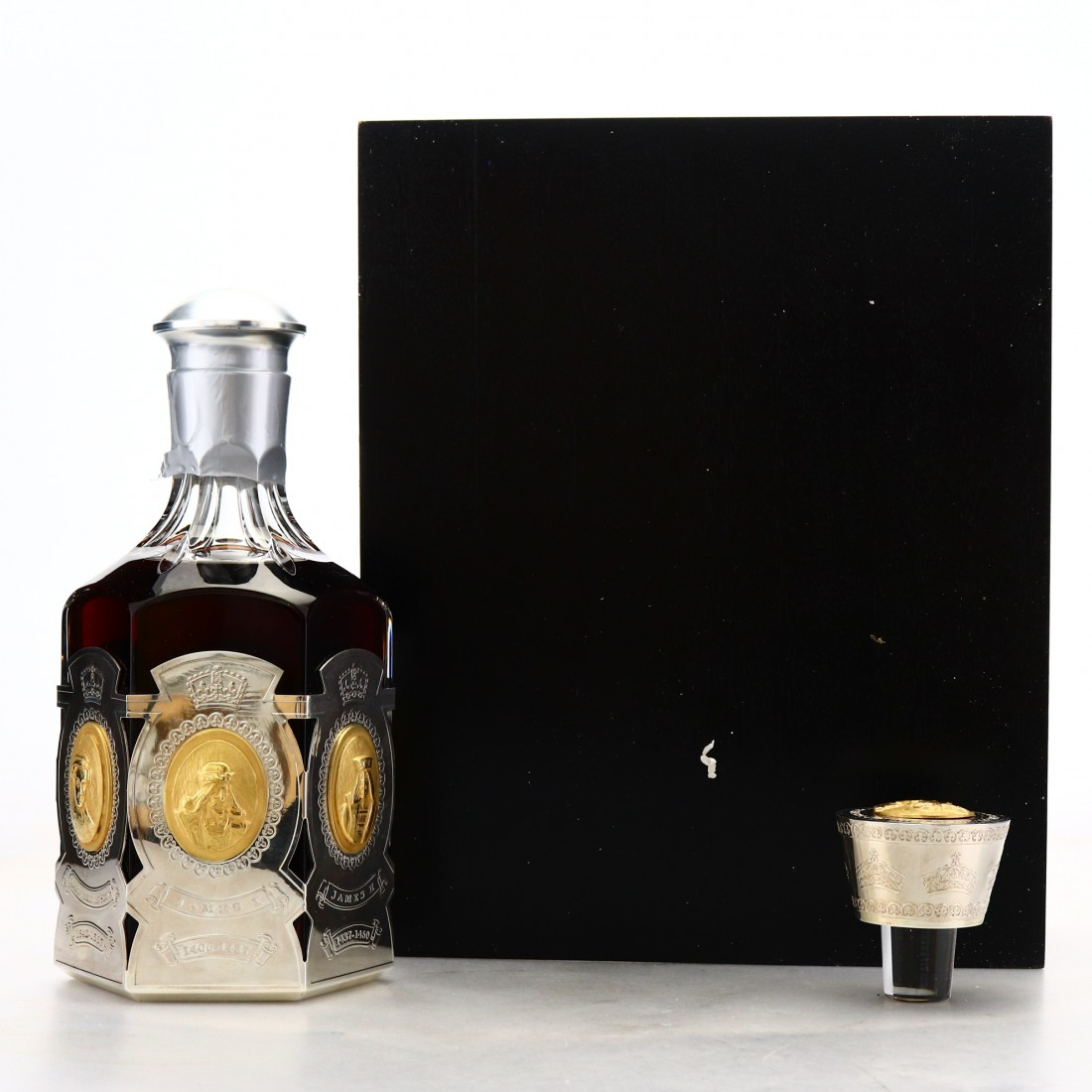 Glenfiddich 1964 Hart Brothers 40 Year Old Dynasty Decanter