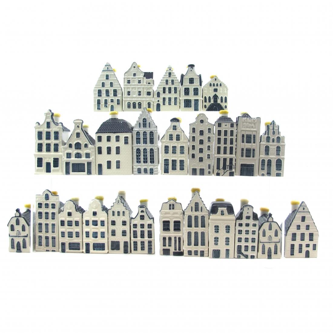 KLM Blue House Miniatures / Bols x 26